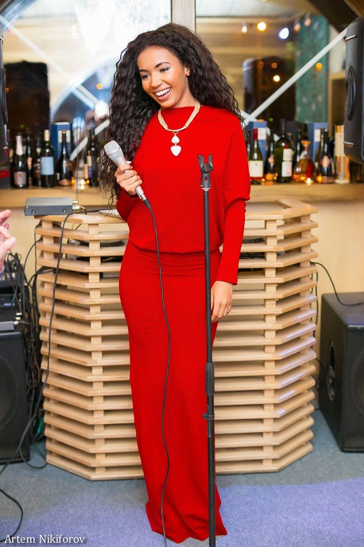 Выступление Viktoria Olize в ресторане Мята
